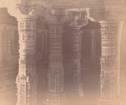Close view of carved pillars in the Bhulavani, Satrunjaya